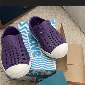 Native girls kids purple C6 waterproof slipons nwb